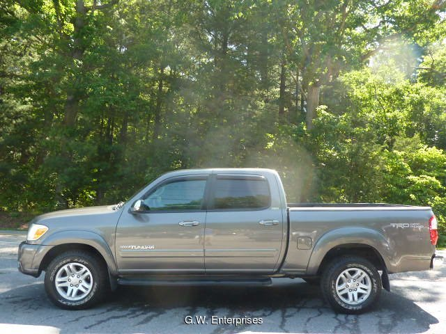 2005 Toyota Tundra SR5 Double Cab 4WD 5-Speed Automatic